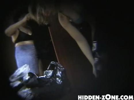 Hidden-Zone.com- Lo25 Voyeur video from locker room