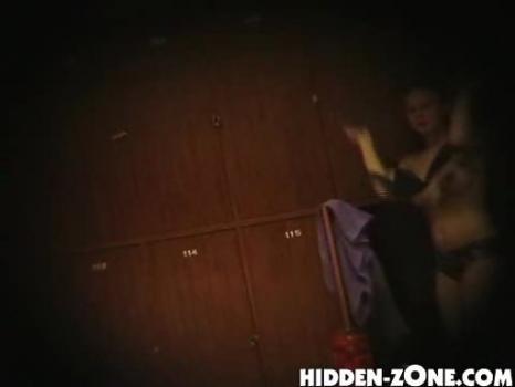 Hidden-Zone.com- Lo2 Voyeur video from locker room