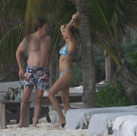 shayna-taylor-in-a-bikini-at-a-beach-in-tulum-01-14-2021-3.jpg
