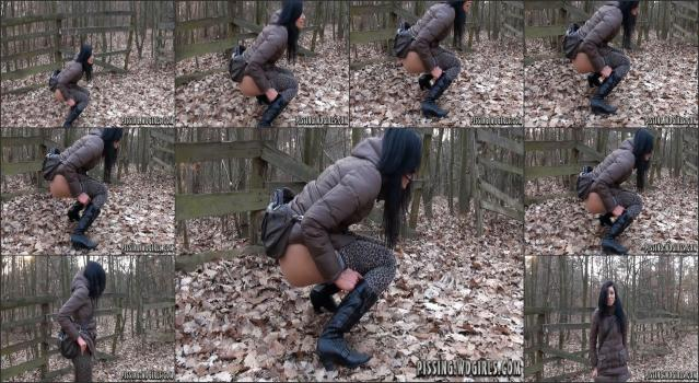 WD Girls Piss Archive - 0232 Lucy Piss