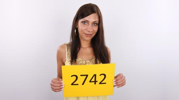 Czechcasting.com- CZECH CASTING - RADKA (2742)