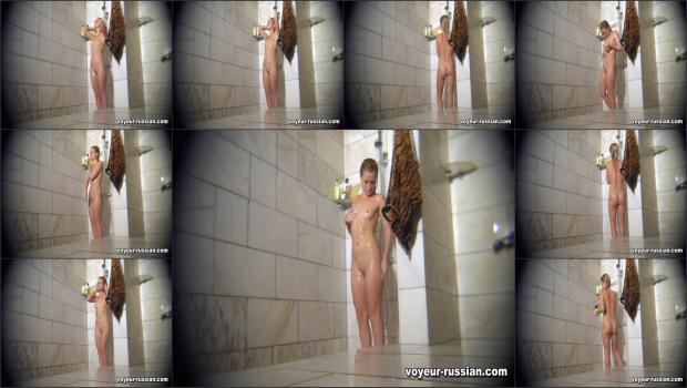 Voyeur-russian_SHOWERROOM 120312