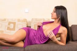 melisa_mendini_violet_couch_00022.jpg