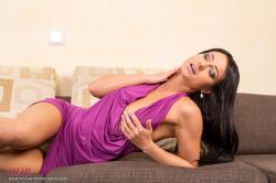 melisa_mendini_violet_couch_00027.jpg