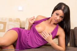 melisa_mendini_violet_couch_00031.jpg