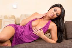 melisa_mendini_violet_couch_00032.jpg