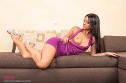 melisa_mendini_violet_couch_00041.jpg