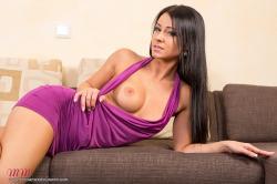melisa_mendini_violet_couch_00042.jpg