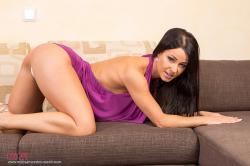 melisa_mendini_violet_couch_00051.jpg