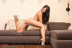 melisa_mendini_violet_couch_00087.jpg