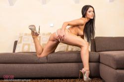 melisa_mendini_violet_couch_00089.jpg