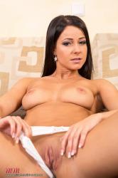melisa_mendini_violet_couch_00092.jpg