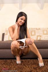 melisa_mendini_violet_couch_00105.jpg