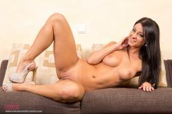 melisa_mendini_violet_couch_00127.jpg