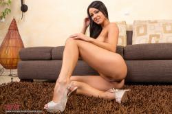 melisa_mendini_violet_couch_00161.jpg