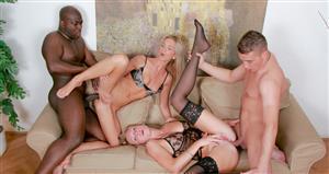 groupsexgames-21-01-19-carmeron-gold-and-ulrika-two-hot-sluts-enjoy-group-sex.jpg